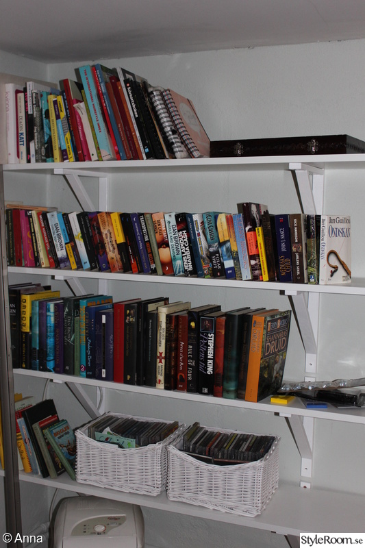 Bild på bokhylla Vårat hus före, under och efter renoveringar av Anna09