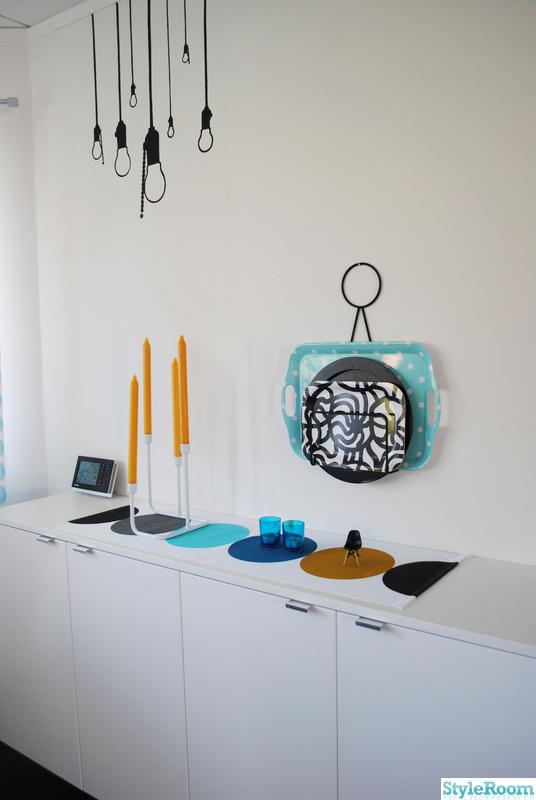 väggmålning,turkos,gul,byrå,vitt
