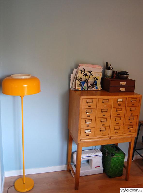 Golvlampa Room