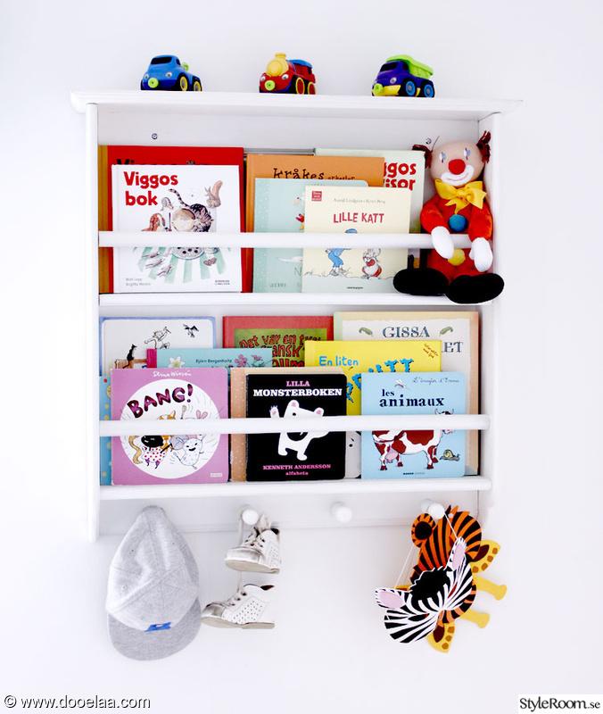 bokhylla,tallrikshylla,clown,böcker,bokförvaring