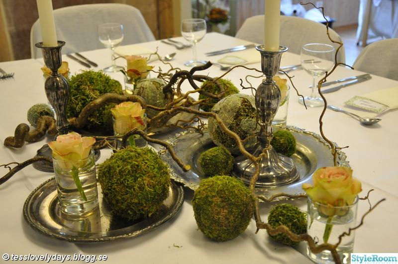 ljusstakar silver,silver brickor,mossbollar,rosor,dukning