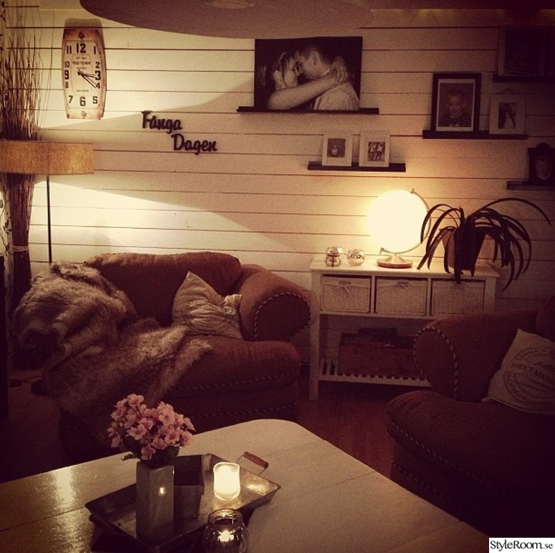 v rt vardagsrum i country lantlig stil hemma hos fluran. Black Bedroom Furniture Sets. Home Design Ideas