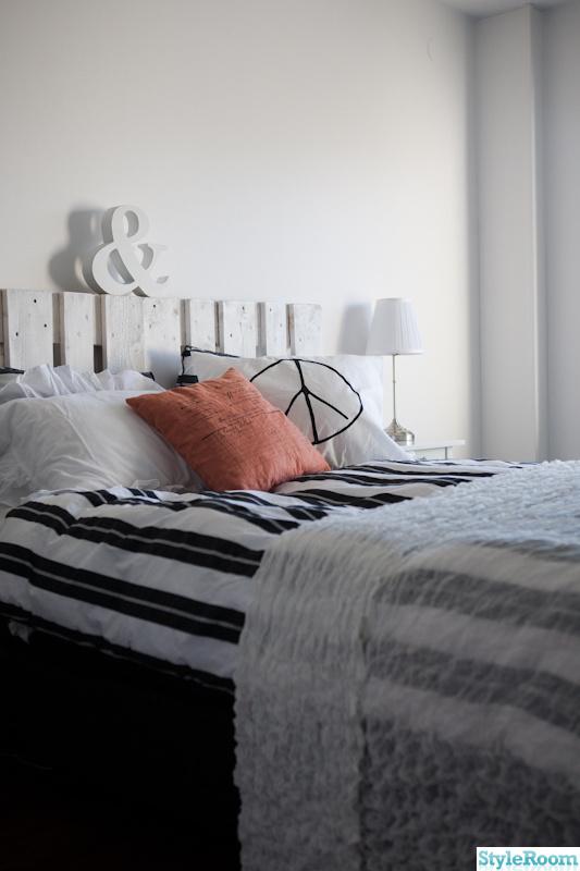 säng,sänggavel,sovrum