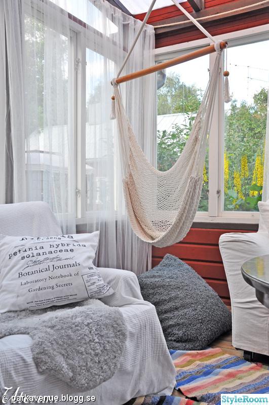barnrum,badrum,balkong,kristallkrona,blommor