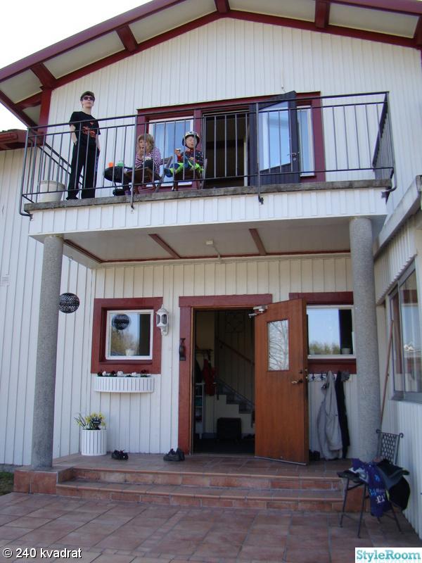 balkong,ytterdörr,entredörr,pelare