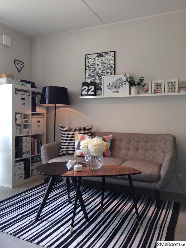 lövbacken,randigt,svartvitt,soffa,soffbord