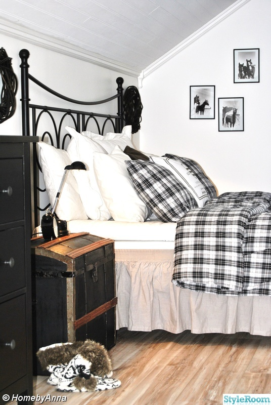 Bild på svartvitt Sovrum av HomebyAnna