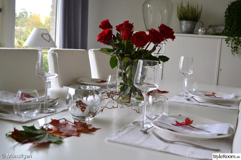 löv,höst,dukning,höstdukning,rosor