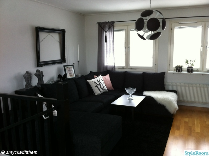 taklampa,ram,kuddar,avlastningsbord,divan soffa