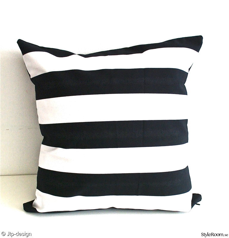 randig,svart,vit,kudde,jtp-design.se