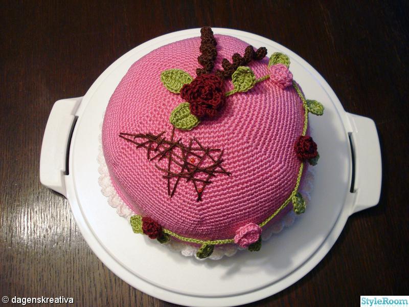 rosa,virkat,rosor,prinsesstårta,tårtfat