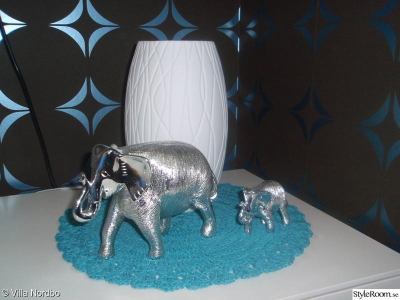 tvbänk,silver,turkos,lampa,elefanter