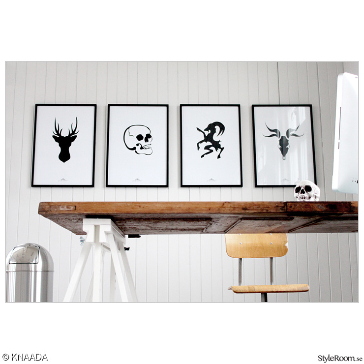 skrivbord kontor ~ bild på skrivbord  i min studioateljé av knaada