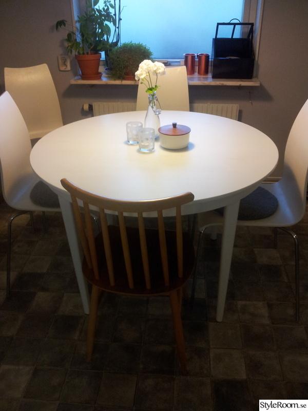 köksbord,secondhand,runt bord,matplats,vitt