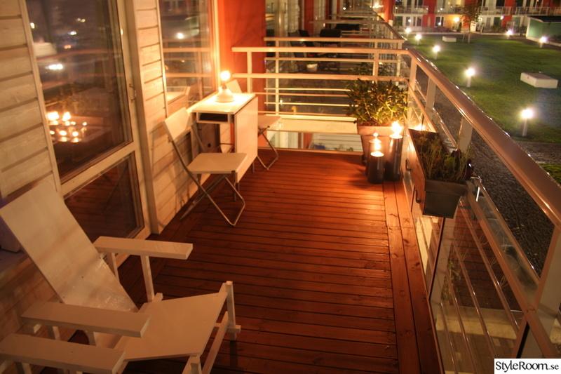 red blue chair,balkong,trädäck