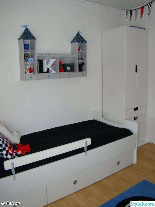 säng mio move ~ bild på barnrum  lillkillens rum av faison