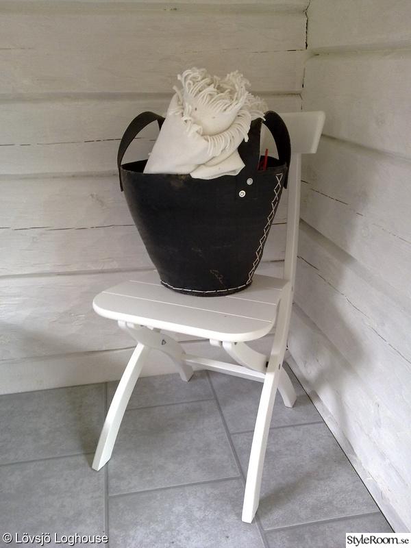 stilleben,timmervägg,timmerhus,timmerstuga,ikea stol