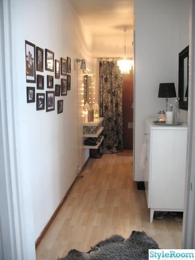 loppisfynd,svartvitt,tavlor,hall,vitt