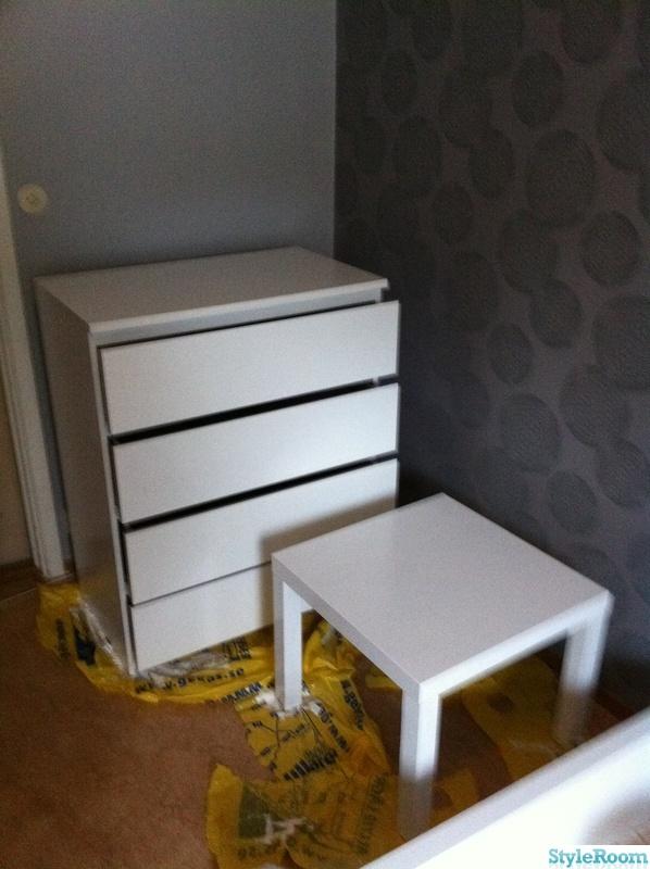 Ikea Kleiderschrank Ohne Türen ~ Bild på vitt  Make over av ikeas malm möbler  av Mammamariah
