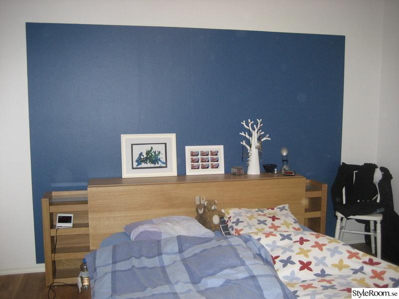sovrum,malm säng,blå vägg