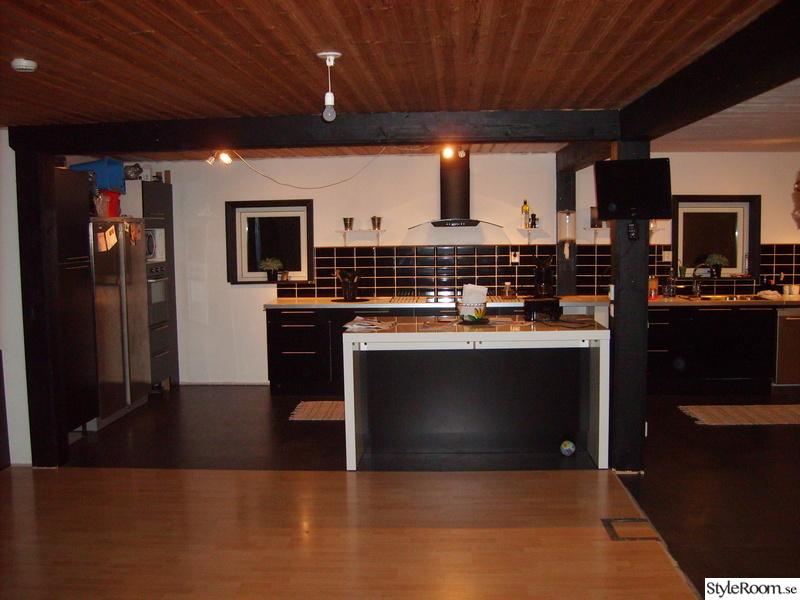 House Of Philia Halsans Kok : vitt kok med kokso  Kakel till badrum & tvottstuga Badrumskakel