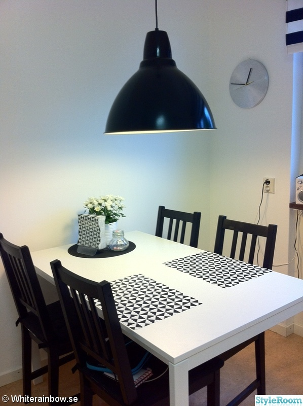 Kok Vitt Svart : klocka,svart lampa,vitt,svart,monster