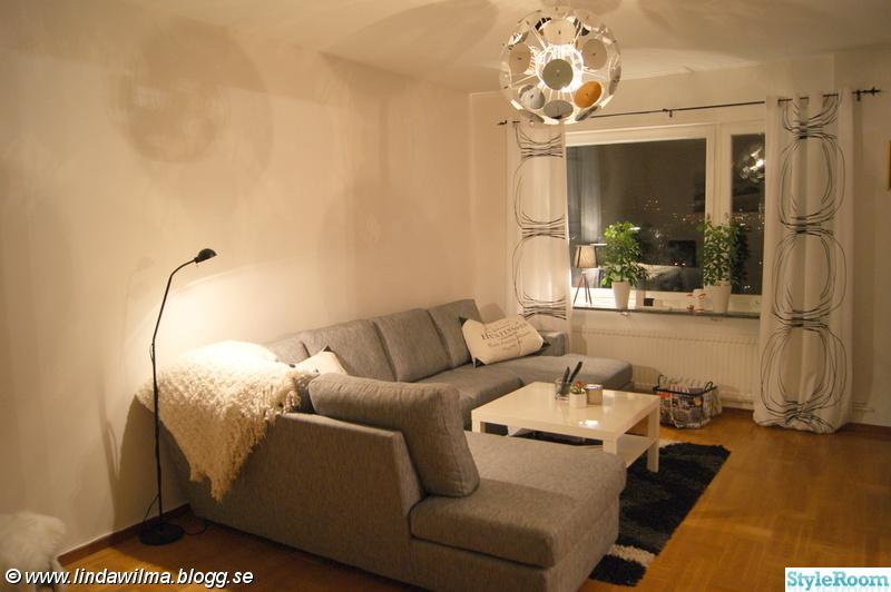 soffa ikea divan ~ vardagsrum i svartvitt  hemma hos lindala