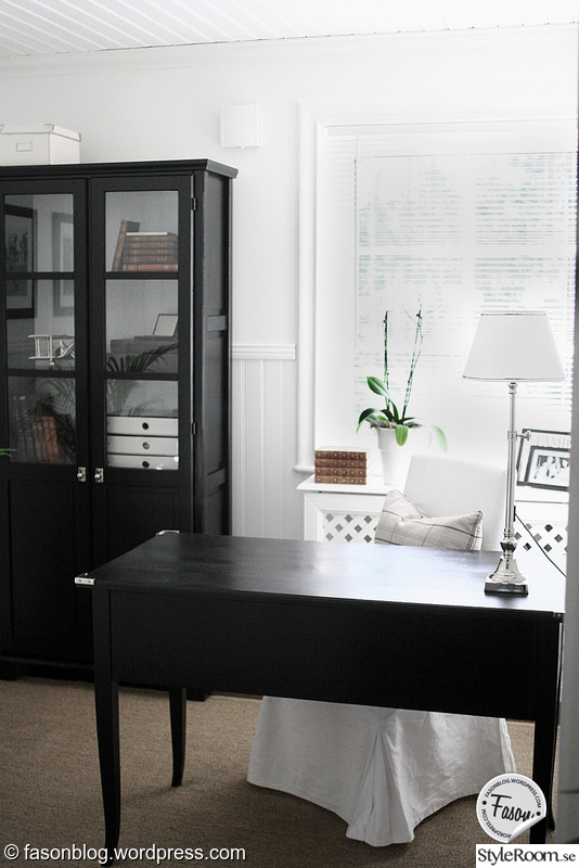 skrivbord kontor ~ bild på skrivbord  kontor av ladg