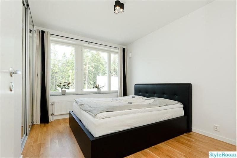 Bild på svart säng All Formdesign av chrisdoffer