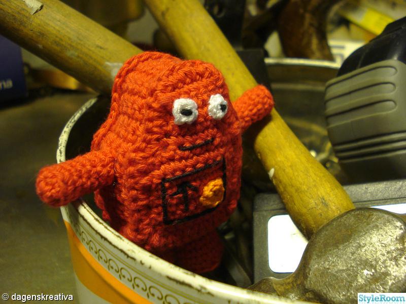 röd,virkat,dagenskreativa,mini robot