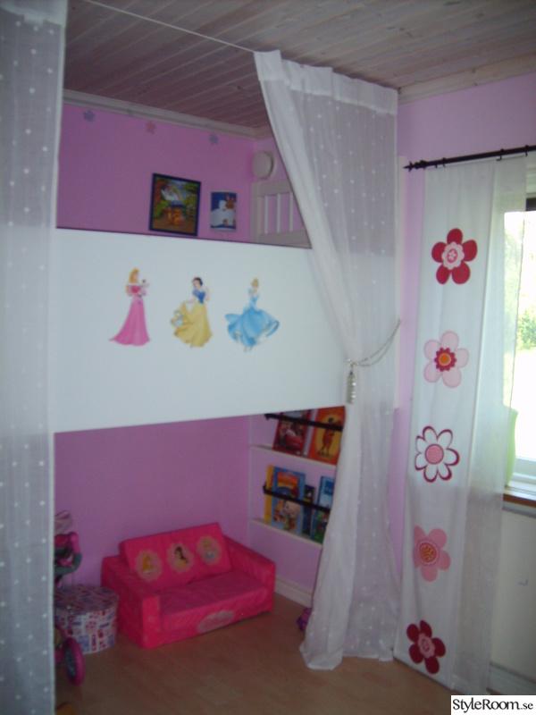 rosa,barnsäng,gardin