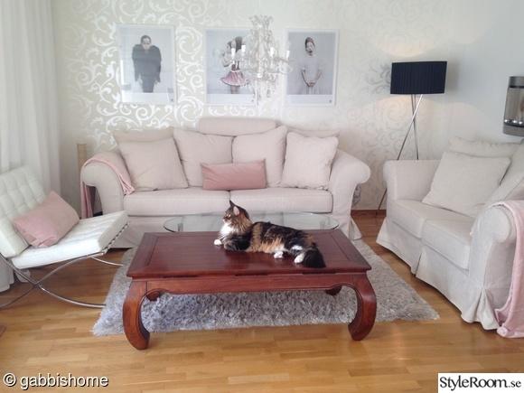 soffgrupp,indiskt soffbord,soffbord med svängda ben,soffbord med opiumben,vardagsrum