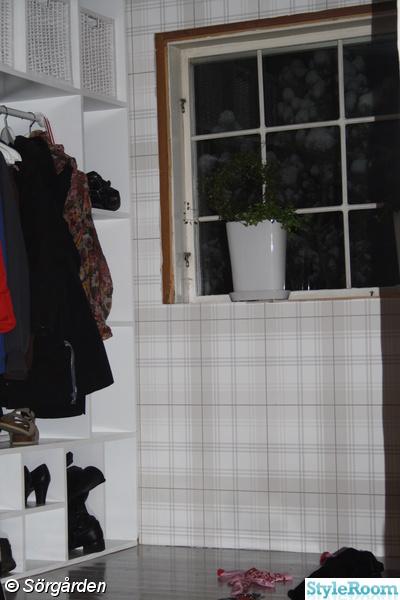Tapetsera garderob