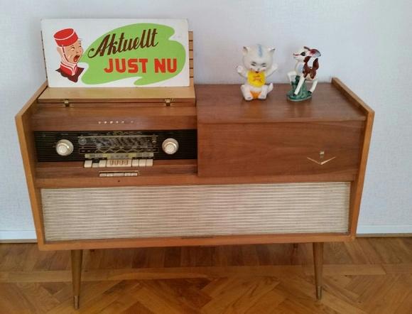 retro vardagsrum,radiomöbel,retro radio,50-tal,kitsch