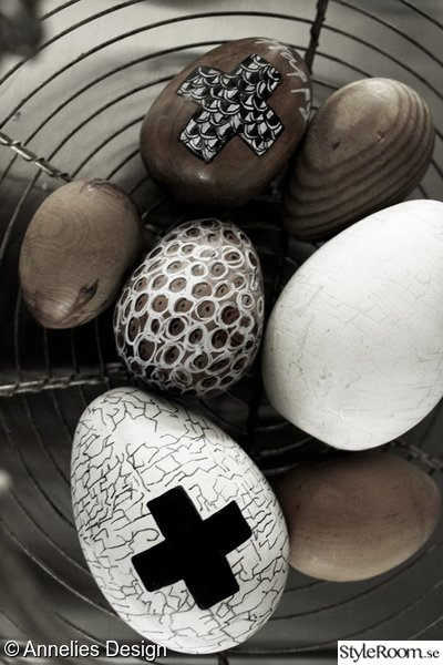 pyssel,påsk 2014,påskpyssel,trärena ägg,måla på ägg