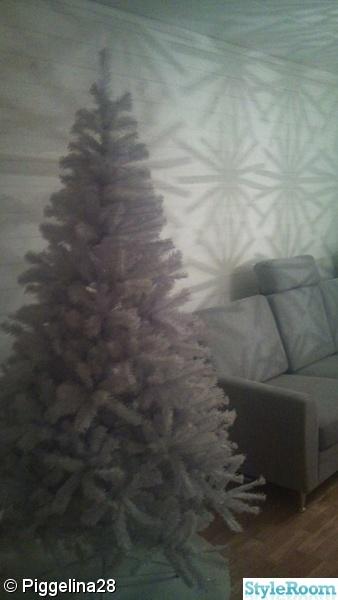 vit julgran,soffa,vitt,vardagsrum,liggande plankor