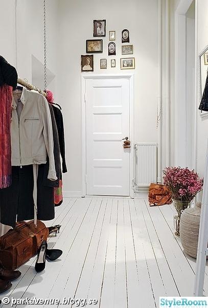 Vitt golv inspiration och inredningstips - Deco lange idee gang ...