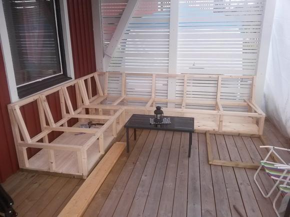 platsbyggd soffa,råspont