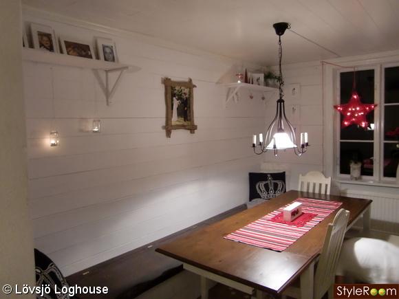 sittbänk,matrum,matsal,matbord,grova plank
