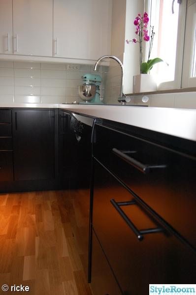 k?k svarta luckor  svarta luckor,mattsvart,kitchenaid,vit b?nkskiva