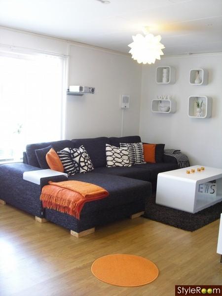 Divan soffa kuddar vit svart orange inspiration och for Divan 1 5 plaza