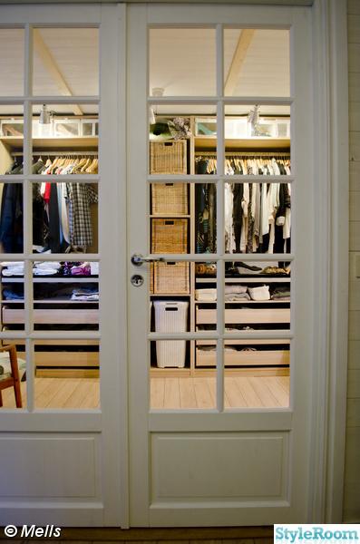 garderob,walk in closet/klädkammare,dubbeldörrar