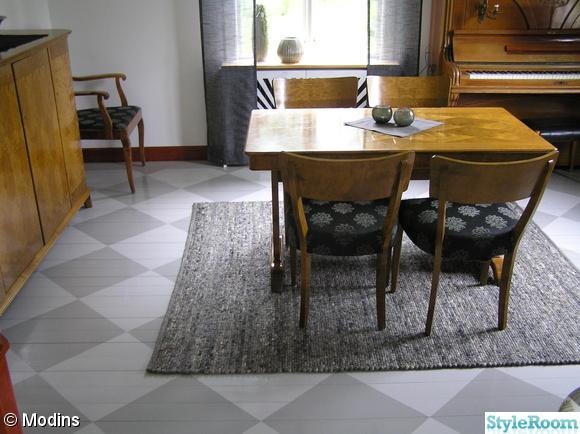 matta,rutigt golv,piano,elementskydd,målat trägolv