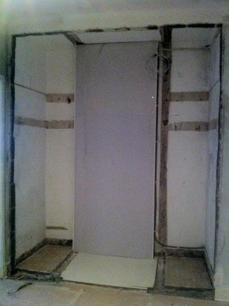 riva vägg,renovera,platsbyggd garderob,30-tal,platsbyggt