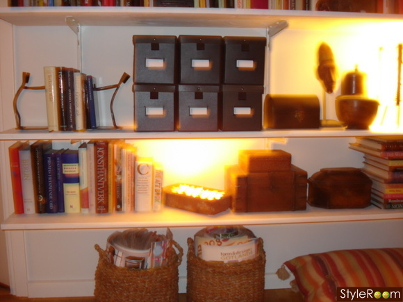 tegelsten,ljusslinga,cd-boxar