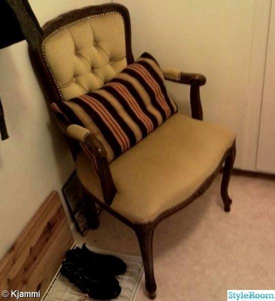 Bild på fåtölj 24 kvadrats hyreslägenhet Hall& badrum av Kjammi
