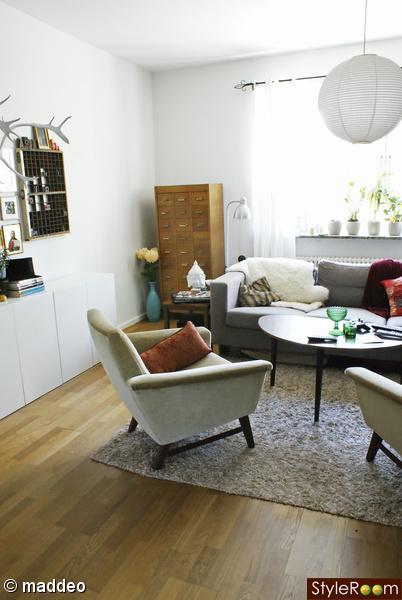 kartotek,vardagsrum,loppis,fåtölj,soffa