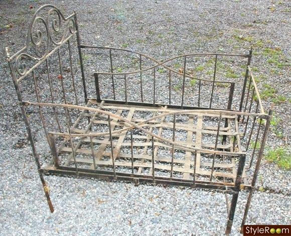 antik spjälsäng