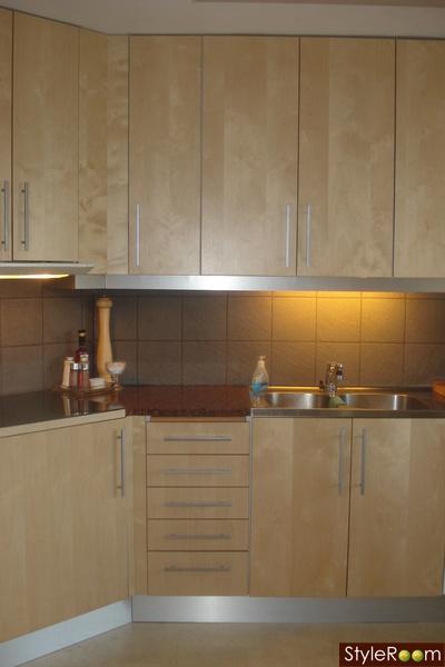 Vilken Tapet Och Färg Till Detta Kök??? Diskutera Inredningshjälp På Styleroom
