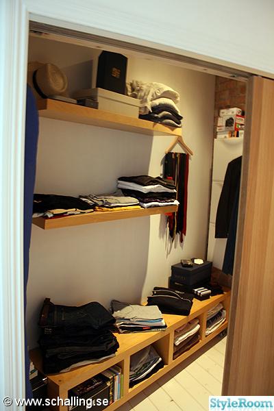 walk in closet,garderob,vägghyllor
